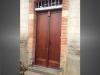 porte d'entrée bois renovation bâtiment ancien